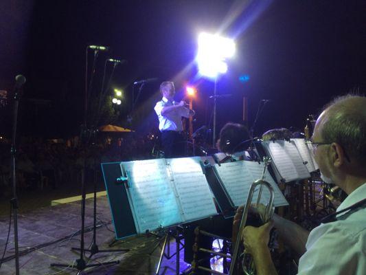 Greece_Dirigent_klein.jpg
